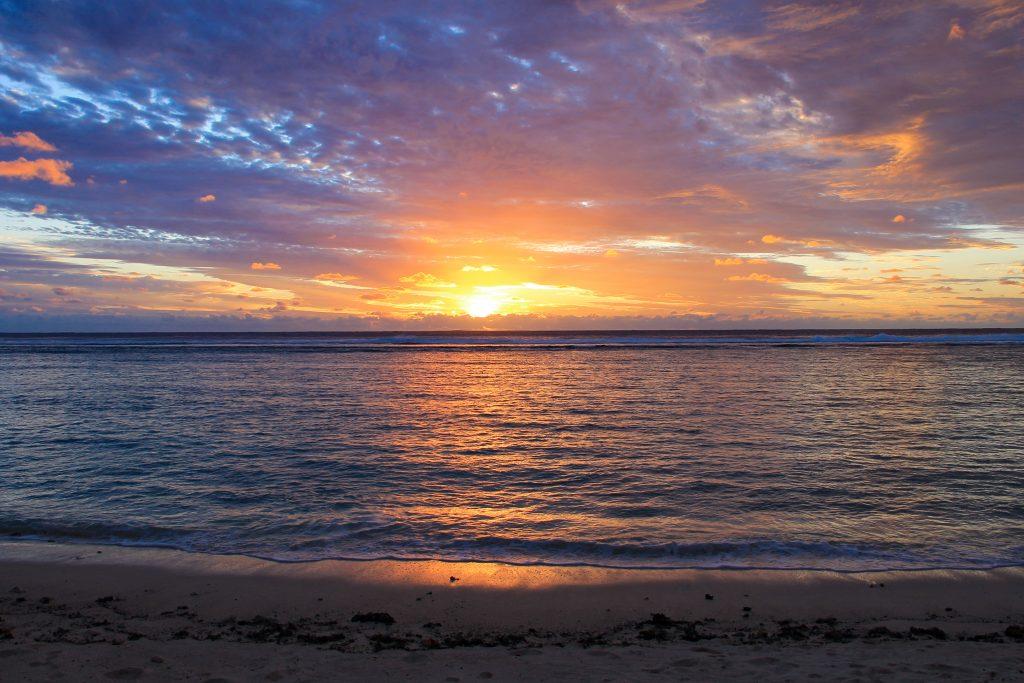 zonsondergang Cook eilanden